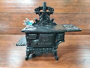 Cast Iron Mini Black Stove Boyds Bears And Friends Baileys Miniature Pre Owned