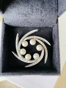 Ladies 14kt White Gold Diamond And Pearl Vintage Brooch
