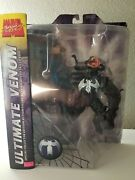 Marvel Diamond Select Ultimate Venom With Spiderman And Base - Brand New In Box