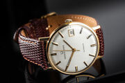 Genuine Men's 18k Solid Gold Universal Geneve Automatic 34mm Watch C.1970