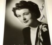 Ruth Hussey / 8 X 10 Bandw Autographed Photo