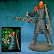 Resident Evil Nemesis Colossal Hgc Exclusive 29 7/8in Hollywood Collectibles