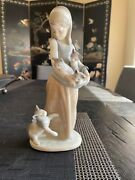 Lladro Spain Porcelain Following Her Cats Figurine Girl With Kittens