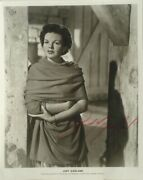 Judy Garland Signed Autographed Photo - A Star Is Born Wizard Of Oz W/coa