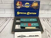 Athearn Ho Special Edition Pair Of Great Northern 50and039 Plug Door Boxcars New