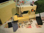 Kenmore Sewing Machine 158.10450 1045 3/4 Size With Rose Case