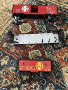 Lionel Rolling Stock Lot, Including Box Car, Flat Car And Caboose