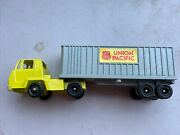 Lionel Fundimensions Ho Gauge Vintage Union Pacific Truck And Trailer 1970's