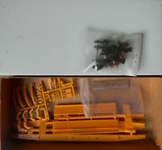 Front Range Two Articulated Cofc Trailer Train Center Unit Spine Cars - Ho