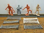Vintage Marx 6 Plastic Toy Cowboys, 4 With Fence.