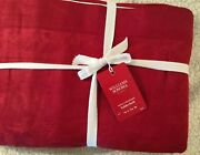 Williams Sonoma Holly Jacquard 70 X 126 Tablecloth Red Christmas
