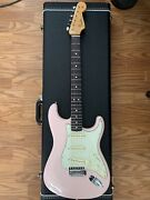 Fender American Original Andlsquo60s Stratocaster Electric Guitar Shell Pink Mint