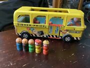 Vintage Fisher Price Little People School Bus 990 With Original 5 Wooden People