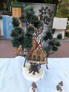 Dept 56 North Pole Woods Town Meeting Hall 56.56880 Excellent Rare Extra Pieces