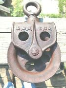 Vintage Cast Iron Single Pulley Block And Tackle Boat Barn Factory Hoist