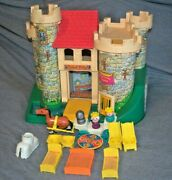 Vintage Fisher Price Play Family Little People Castle-993-many Accessories