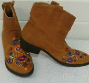 Woman Mudd Casual Ankle Boots Size 10mcheyennefaux Leather Embroidered Floral