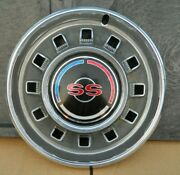 1 Vintage 1967 Chevy Impala Ss Hubcap-oem-guc