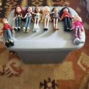 Bratz 2001 Dolls Mga- Lot Of 7 Girls, 1 Boy 2003. Clothes/shoes. Pre-owned