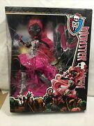 Monster High 13 Wishes Catty Noir Doll Pink Outfit Cat Kitty Retired New In Box