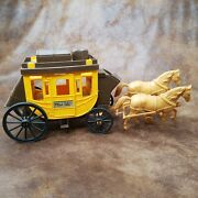 Vintage Wells Fargo And Co Overland Stagecoach Wagon Plastic Toy W/ Horses