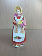 Lady Figurine Old Country Roses D3692 Royal Doulton 1995 Rare English Uk Ocr