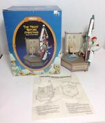 Rare 1987 Enesco The Night Before Christmas Deluxe Action Musical Figurine