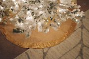 Gold Sequin With Burlap Christmas Tree Skirt