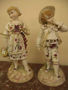 Extra Ordinary French Pair Of Porcelain Figurines Of A Country Couple 1900-1940