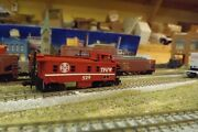 Toledo Peoria And Western 529 N-scale Custom Painted Caboose
