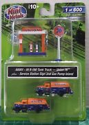 N Scale Classic Metal Works Union 76 Tank Trucks 2, Pumps And Sign Item 60001