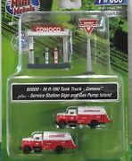 N Scale Classic Metal Works Conoco Tank Trucks 2, Pumps And Sign Item 60000