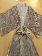 Beige And Gold Kimono Robe Worn By Rachel Brosnahan Mrs Maisel 1st Starring Role