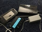 Nintendo Wii U Gamepad Controllers And Charger.-black