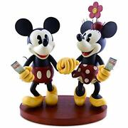 Figure Pie-eyed Minnie And Mickey Mouse
