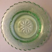 Vintage Green Glass Ashtray Pretty Floral 7.5 Sunflower Daisy Girly Woman