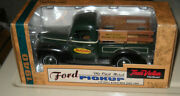1940 True Value Diecast Le Coin Bank Crate Load Nib 125 Scale Ford Pickup Ertl