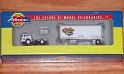 Athearn 10809 N Ford C And 28' Wedge Trailer Athearn