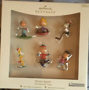 Hallmark Winter Sports - The Peanuts Gang - Set Of 6 Ornaments - Dated 2007