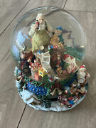 Santa Claus Is Coming To Town Musical Water Snow Globe W/ Revolving Base Vintage