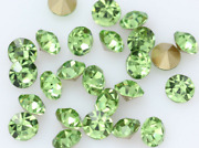 24 Lt. Green Glass Jewels Use On American Flyer Loco And Tenders 312 314aw Etc.