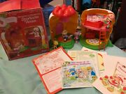 Strawberry Shortcake Shortcake Berry House Complete With Box And Inserts Kenner
