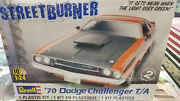 Revell 85-2596 '70 Dodge Challenger T/a 2'n1 124 Scale Plastic Model New