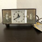 Vintage General Electric Telechron Clock 8869 W/ Original Tag - 40and039s 50and039s 60and039s