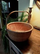 Nantucket Open Lightship 11 1/2 Basket With Ivory Knobs In Excellent Condition.