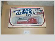 Life Like 8184 Ho Scale Great Northern Tank Car Track Cleaning Car