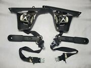 2007 - 2013 Silverado / Sierra Extended Cab Front Seat Belts Oem Black Lh And Rh