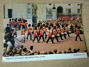 Vintage 1970and039s Unused Postcard Of Changing Guard At Buckingham Palace London.