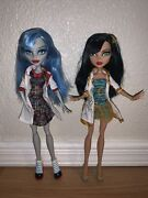 2 Monster High Classroom Dolls Ghoulia Yelps And Cleo De Nile Mad Science 2013