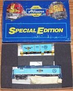 Athearn 2212 Special Edition Gp-38-2 Bw Caboose 25 Years Operation Lifesaver